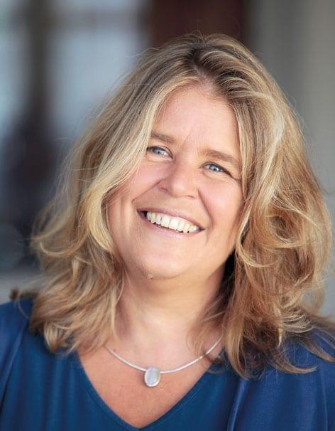 Foto einer lächelnden Frau