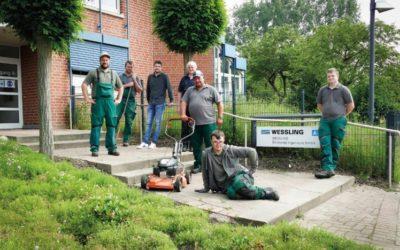 Grüner Einsatz: Alexianer Werkstätten pflegen die Außenanlagen von WESSLING in Altenberge